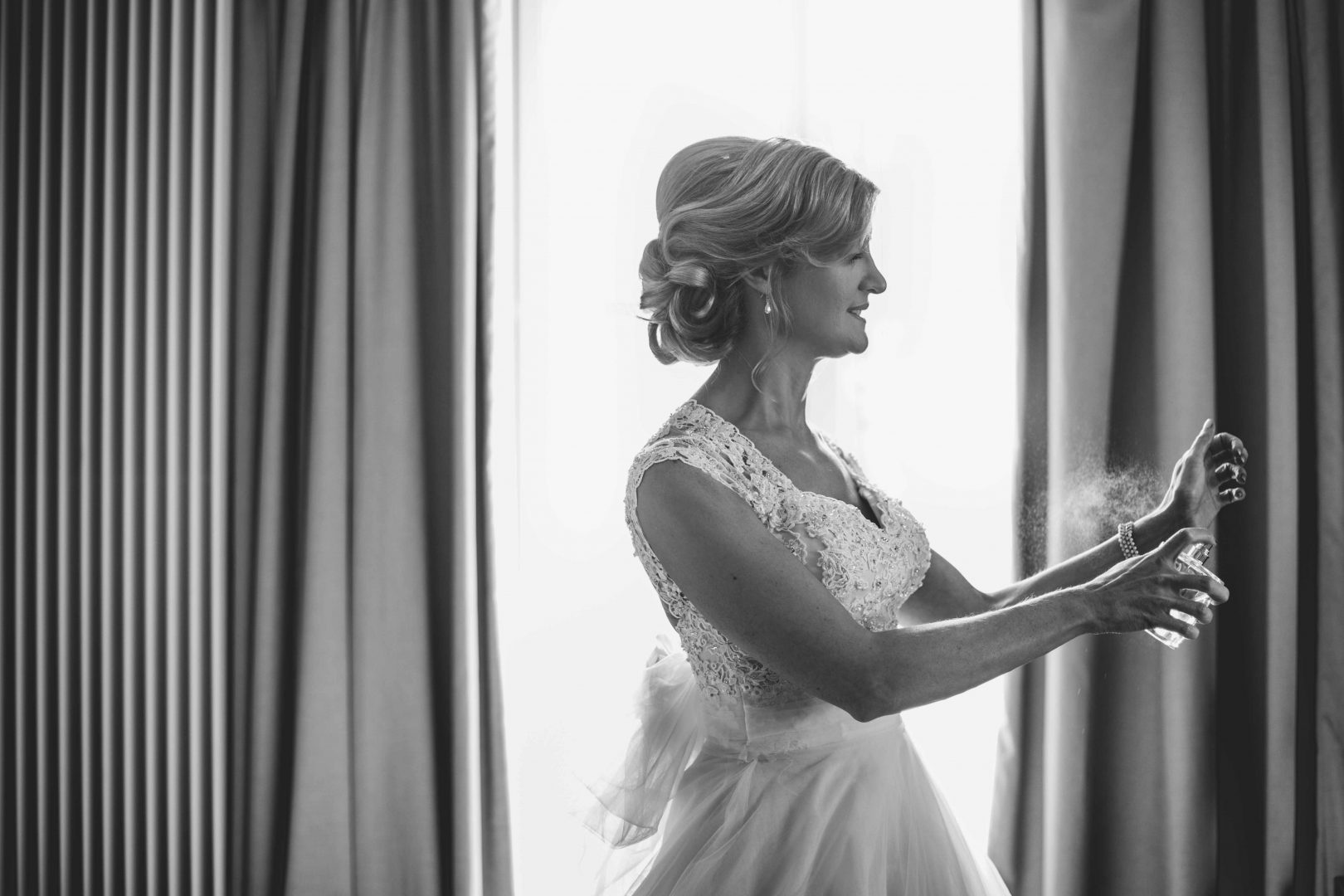 SARAH_GRAY_PHOTOGRAPHY_DONEGAL_WEDDING_REDCASTLE_IRELAND_40